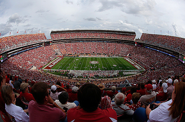 at Bryant-Denny Stadium on October 24, 2015 in Tuscaloosa, Alabama.